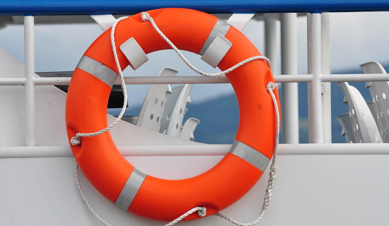 aros-salvavidas-salvamento-maritimo