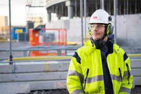 De acuerdo al trabajo se deben usar correctamente los equipos de seguridad industrial.
